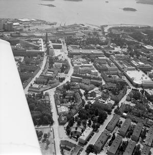 Flygbild över centrum, slutet av 60-talet tror vi. Håller du med?