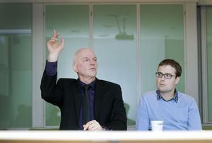 Moderaterna Roland Nilsson och Patrik Stenvard ser helst att Gävle kommun består av enbart en valkrets. Då skulle mandatfördelningen i kommunfullmäktige spegla valresultatet till 100 procent, menar de.