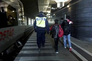Av de 201 barn som anvisades till Gävle kommun av Migrationsverket förra året hamnade över hälften i familjehem som utretts av de privata bolag som knutit familjerna till sig. Kommunen ska enligt lagen aldrig jourplacera ett barn hos ett hem som den inte själv har utrett.