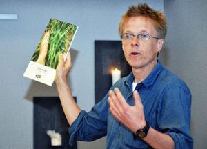 Omställningsforskare Björn Forsberg menar att omställningen måste komma underifrån.