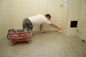 Renovera badrummet får man göra, men det måste ske fackmannamässigt.