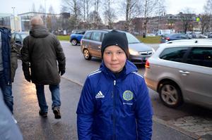 Unge supportern Eero Huittinen gissade på 3-0 till Giffarna innan matchen.
