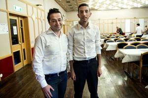 Samer Aiyan och Samer Khozam har båda hållit på med musik i hemlandet. Samer Aiyan har sjungit sedan han var liten och Samer Khozam har bland annat spelat Oud, eller Korthalsluta som den också kallas.