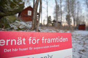 IP Only-skylt utanför en fastighet i Smara, Edsbro.