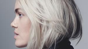 Ana Diaz har efter många år utomlands återvänt till Sverige för att göra sin egen musik - på svenska.