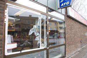 Spelbutiken i centrala Hallstahammar utsattes för inbrott natten mot fredag. FOTO: ANNA DAHLLÖV