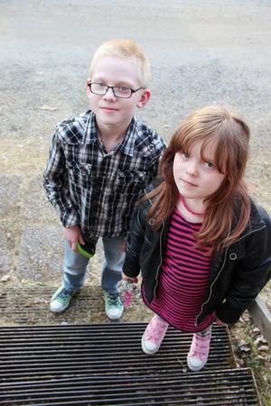 Kvällens yngsta besökare var syskonen Rasmus Blom, 8 år, och Ronja Nilsson, 6 år.