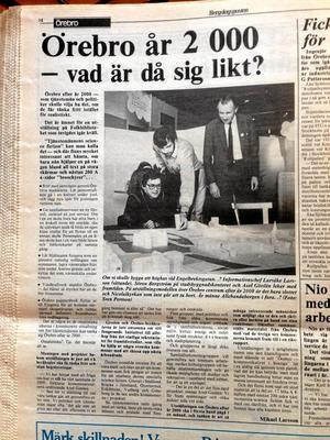 Från 1985. Politiker och tjänstemän från 1985 tänker fritt om år 2000.