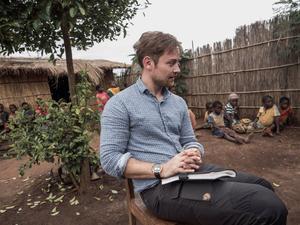 Nils Adler gjorde det senaste undersökande reportaget i Mozambique. Där är Västerås stift  en stor skogsägare. Reportaget är gjort på uppdrag av en svensk tidning och kommer snart att publiceras. Det berör bland annat skogen och utländskt ägande i Mozambique .