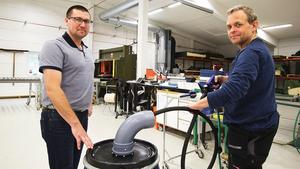 Systemet går ut på att en projektil i polyuretan pressas med lufttryck genom ett rör eller en slang och tar med sig all smuts. Ulf Sundelin och Christer Gustavsson berättar att allt tillverkas i Sverige, och mycket är från Dalarna.