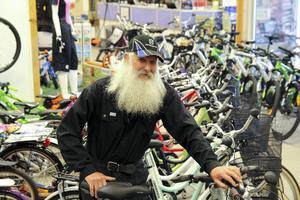 Claes Pallin arbetar sin sista sommar som cykelreparatör innan han går i pension.