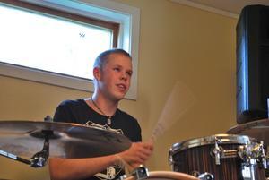 Christoffer Bäckman ska lära sig ännu mer om trummor i London.
