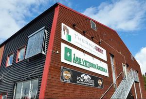 I tre år har Åreveterinärerna funnits i Handelshuset i Såå, som filial till Östersunds Djursjukhus, men nu stängs kliniken sedan ägarna valt att satsa på Östersundsverksamheten istället.