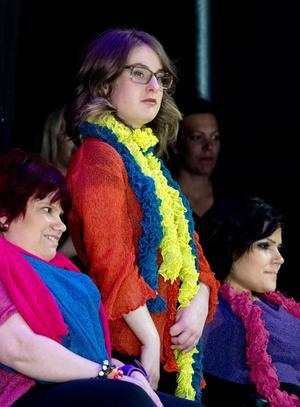 Det var färgstarkt när Bayan Faeqhassan, Emilia Persson och Frida Wiklander äntrade catwalken.