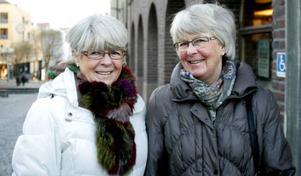 Vivi Nässén, 64 år och från Lit, och 78-åriga Lena Hållstrand från Marieby ogillar att pensionerna tappar i värde. Lena har drabbats hårt trots att hon började jobba när hon var 13 år.