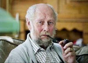 Torgny Lindgren har sommarlov från Svenska Akademien - men fullt upp ändå. Sista handen ska läggas vid boken