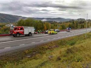 Två kvinnor skadades i kollisionen.