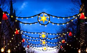 Borta. I 60 år hängde de här juldekorationerna på Storgatan och Drottninggatan.