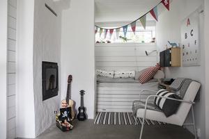 Sonen Nohas rum ligger vägg i vägg med föräldrarnas sovrum.  Det var tidigare ett kök.