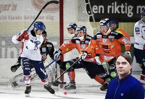 Jonas Edling i Edsbyn klipper till mot Bollnäsmålet i en av många derbymatcher i Hälsingland under förra säsongen.