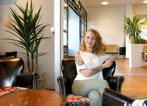 Michelle Ahnell, 22, har tidigare inte varit intresserad av att resa på grund av andra prioriteringar och en stor flygrädsla. Nu biter hon ihop för på tisdag åker hon till Mexiko, och någon hemresa är inte bokad.