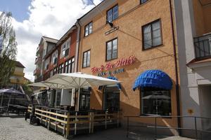 Restaurang En och en halv kök och bar i Hedemora är till salu för andra gången på kort tid.