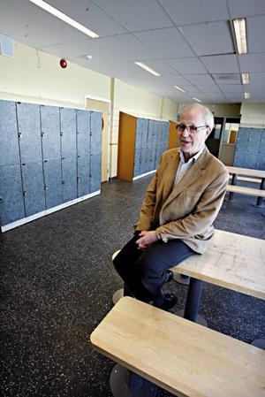 Rektor Uno Axelsson medger att skolan inte lyckats lösa problemen, trots en rad åtgärder.