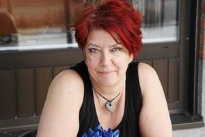 Tina Arvidson håller på att flytta hem till Ånge igen, och redan nu finns långt gångna planer på att återgå till en roll som trivselfixare för Ångeborna.