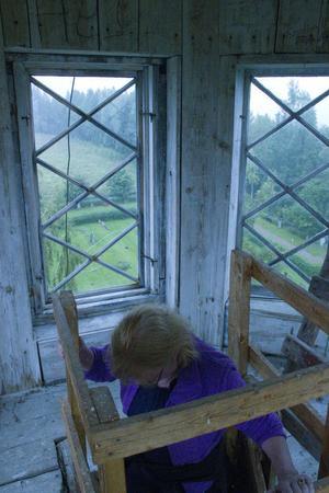 Uppe i tornet kunde man se ut över kyrkogården och omgivningarna.
