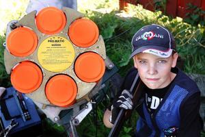 Nyblivne 14-åringen Marcus Tullberg satte ett rutinerat gäng på plats i Lerum.