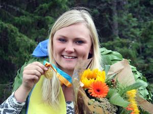 Ununge Skytteförenings Sara Borg med guldmedaljen.