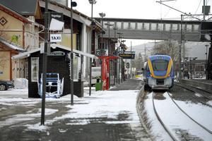 För att turismen i länet ska ha en chans att utvecklas krävs goda kommunikationer, skriver socialdemokraten Gunnar Sandberg och pekar på nattågets betydelse får turister till Åre och västra Jämtland. Många vill åka bekvämt och miljövänligt, menar han.