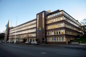 En förundersökning om mord alternativt dråp har inletts sedan en kvinna anträffats död på Alnö.