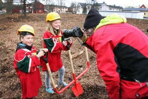 Barn och ungdomar kan bli stommen i nya seniorlag för Svegshockeyn.