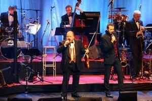 Och vinnaren är... Kalle och Bengan gjorde årets julkonsert 2010.