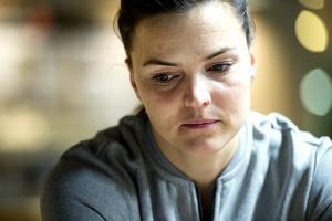 Susanna Kallurs förkylning tvingar henne att skjuta upp sin säsongspremiär.