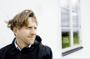 """""""Fantastiskt roligt att få ett sådant här erkännande på hemmaplan"""", säger Hans Victor som får Heimbygdas byggnadsvårdspris 2010."""