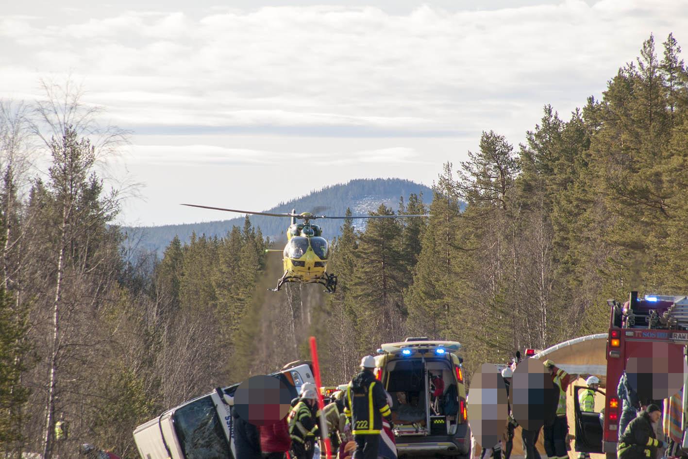 Bussolycka tog 15 liv