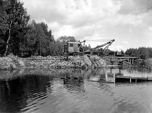 Historia. Från oljehamnen, som här anläggs, skeppades olja till platser runt om i Sverige.