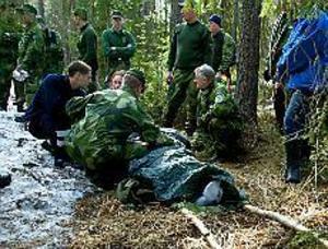 Händer igen. Förra gången Ann-Mari Stjärnström gick vilse, i mars i år, hittades hon efter kall natt i skogen. Då startades en utredning om henne på landstinget, men än har inget hänt.