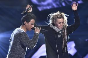 Från repetitionerna i finalen av Melodifestivalen i år. Jon Henrik Fjällgren med Aninia tävlade sitt bidrag En värld full av strider.