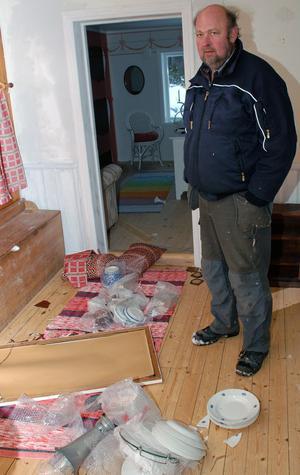 Skadegörelsen i Tore Näsmans sommarstuga är minst sagt omfattande.