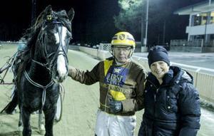 Först vann han inget lopp på åtta år – nu har Leif Svensson två segrar på två veckor. Segervapnet båda gångerna har varit valacken K.A.Vat.
