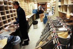 Posten ska få ett nytt centrum för sortering i Sandviken. Bilden är tagen vid ett annat tillfälle.