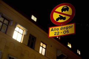 Är det så svårt för ansvariga på kommunen att rätta till detta? skriver debattförfattaren. Foto: Mårten Englin.