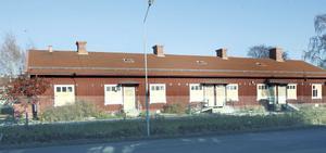 Kommunchefen och socialchefen i Ljusdals kommun tycker att den bästa lösningen i Nyholmenfrågan är att riva byggnaden och återställa marken.