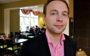 Lars Ilmoni, Företagarnas riksförbund, presenterade arbetet med Jobbsökare på Avestas företagarträff när årets företagare utsågs. Foto: Christer Nyman