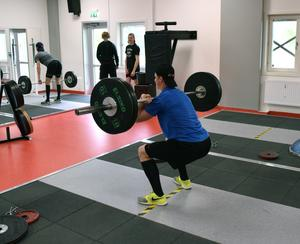 I träningslokalen finns det ett gym som eleverna kan använda i stort sett när som helst.