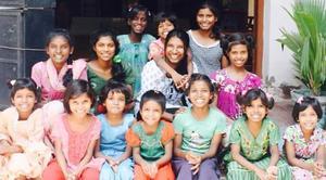 Miriam kallar barnen på Barnhemmet för sina systrar och hon har växt upp med att höra deras sorgliga livshistorier.