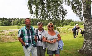 Jonny, Ulrika och Sigrid Stockhaus hejade på deltagarna i Ulaton för andra året.